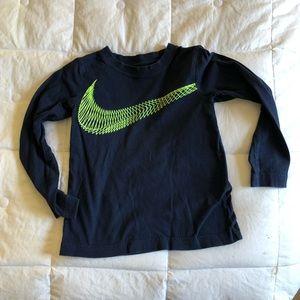 Nike boys long sleeve t shirt